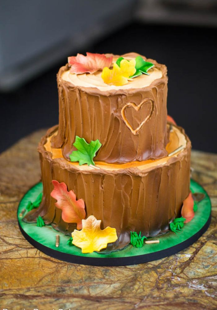 Sculpted Tree Stump Grooms Cake